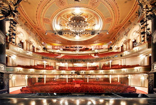 Her-Majestys-Theatre-hall-v.png