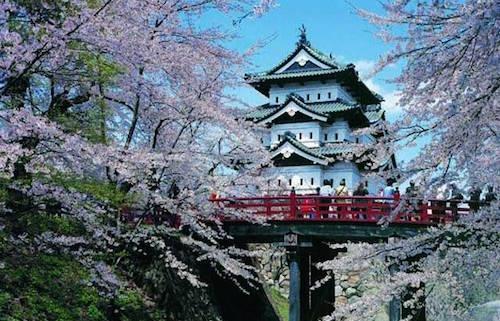 hirosaki_castle_1.jpg